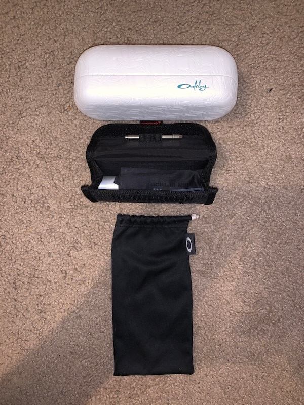 Oakley leather sunglasses box, cleaning kit, tool and black sunglasses bag