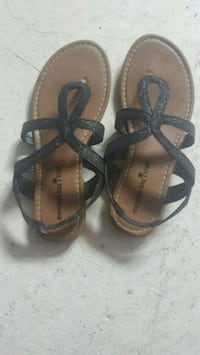 Guess boots size 8  ,flat sandals size 7