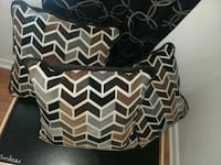 Decoritive couch pillows. New Whiteville, 28472