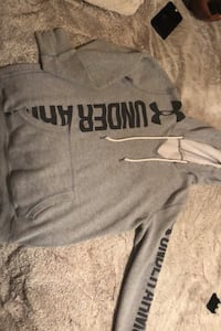Woman's underarmour hoodie SMALL
