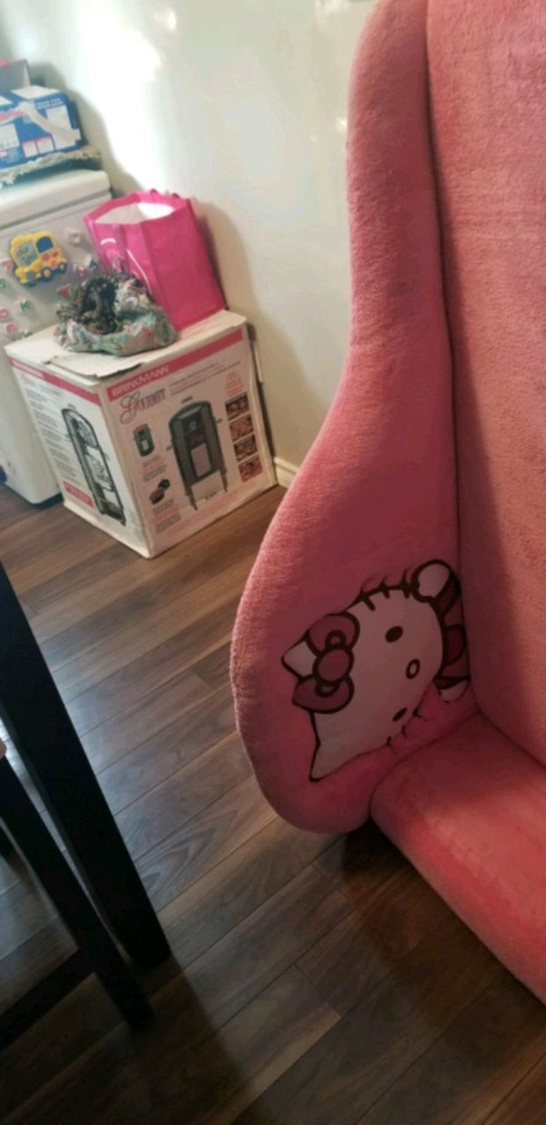 Hello Kitty couch