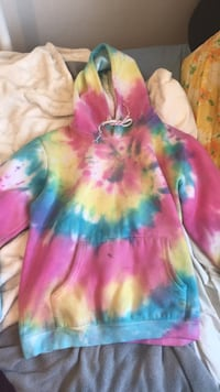 Rainbow tie dye hoodie size small womens Winnipeg, R2W 0L8