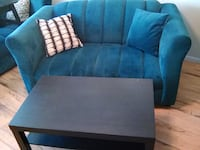BEAUTIFUL TEAL SOFA AND LOVESEAT FREE COFFEE TABLES AND RUG Largo
