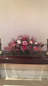 pink, red, and white rose flower arrangement Vaughan, L4H 3G6