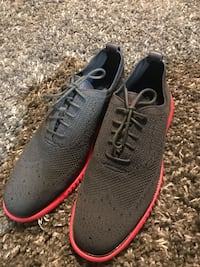 pair of gray-and-red running shoes Austin, 78745