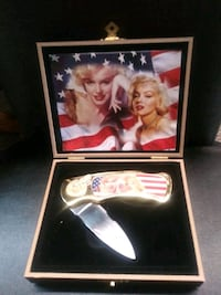Marilyn Monroe knife collector set.