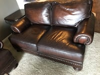 black leather 2-seat sofa Round Rock, 78664