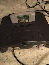 Nintendo 64 with one gMe- no controller  Winnipeg, R2G 0S2