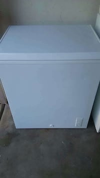 Used Idylis 5 Cu Ft Chest Freezer Model If50cm23nw For