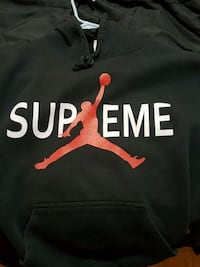 black and red Nike pullover hoodie Surrey, V3S 1J3