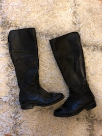 Leather boots size 7 Toronto, M5J 3B2