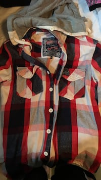 red, white, and black plaid button-up collared shirt Montréal, H3L 3K5