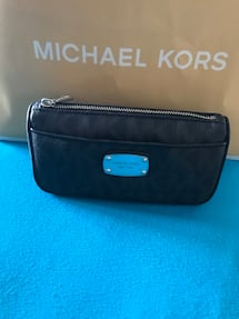 BRAND NEW MICHAEL KORS WITH TAGS