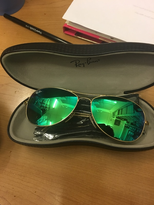 538f081facebf Used Ray-Ban AVIATOR MIRROR Sunglasses with case for sale in Sandy ...