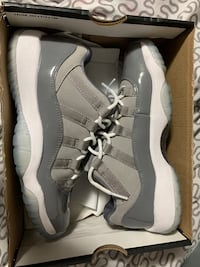 Air Jordan 11 retro low medium grey Mississauga, L5A 4P1