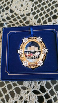 The white house ornament $10