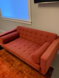 Mid century Modern beautiful 2 seater couch. Seattle, 98134