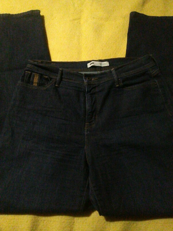 beautiful in colour authentic numerousinvariety LEVI'S perfectly slimming 512 straight leg jeans