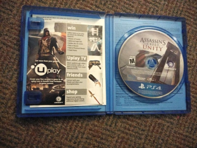 Assassin's Creed unity limited edition PS4 game 7ba7020f-a552-441f-be28-e8b42648e98f