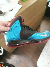 blue-and-black Nike basketball shoes Hagerstown, 21740