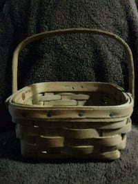 1979 Longaberger Vintage Dark Stain Berry Basket Newark, 43055