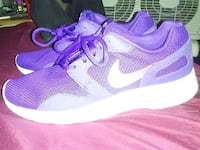 pair of purple Nike running shoes Toronto, M1M 2H7