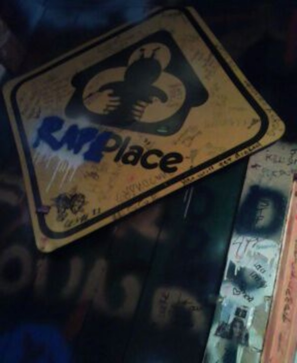 rape place sign from greenroom