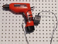 Black & Decker - Battery Drill w/charger Winter Springs