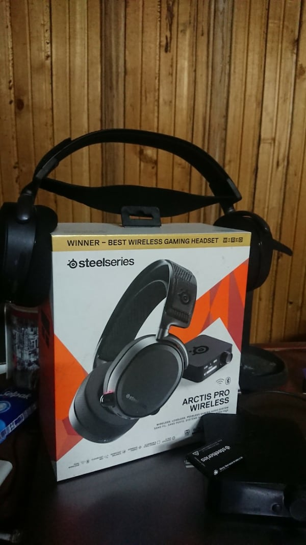 SteelSeries Arctis Pro Wireless Hi-Res - 7.1 Oyuncu Kulaklığı 3e885599-1978-4335-9cda-01b3df02b779
