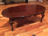 oval brown wooden coffee table Montréal, H3X