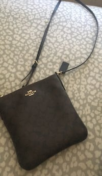LEATHER COACH BAG BRAND NEW  DuPont, 98327