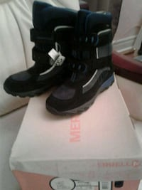Brand new snow boots size 4 with box$65 Toronto, M1H 1V7