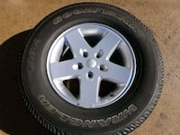 Jeep Wrangler 2007 & Up Factory Wheels Tires 255-75-17 Like New    New Brunswick, 08901