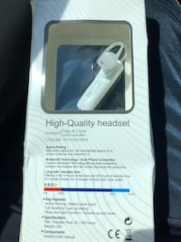 Bluetooth headsets new in package white/black available Ivor, 23866
