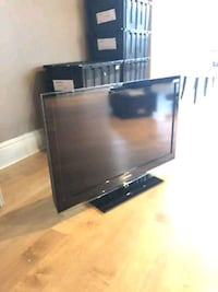 Samsung 42in LED black flat screen TV with remote Aurora, 80016
