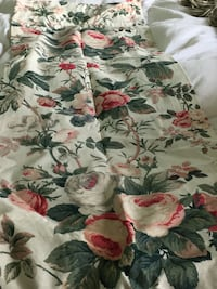 """4 floral lined curtain panels 40"""" W x 84""""L Beverly, 01915"""
