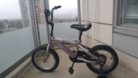 with training wheels suitable for age 4-7 Coquitlam, V3B 0C4