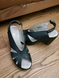 Wedge Sandals. New.leather. Vaughan, L4J 9A7