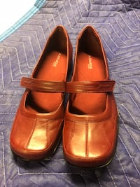 Another great shoe for work thick cushion sole leather new!size 9