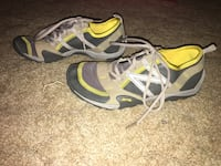 Pair of gray-and-green NB Minimus running shoes Vivram sole Kimball, 57355