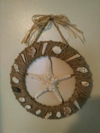 brown and white rope wreath 42 mi