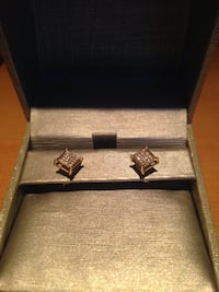Gold diamond earrings by peoples jewelry Pointe-Claire, H9S
