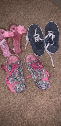 Girls toddler size 10/11 shoes. Springfield