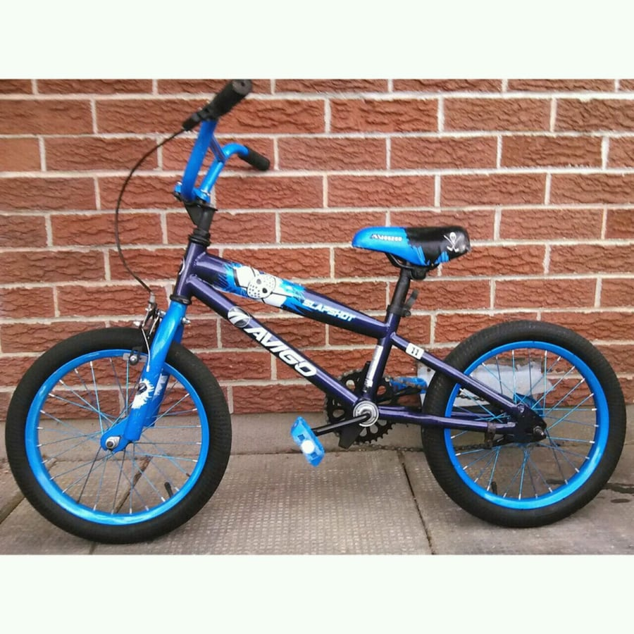 Child's hockey-themed bicycle.  Suitable for 5-7 year olds.