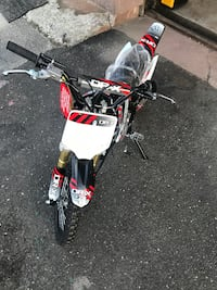 BRAND NEW  ROOST 125CC PIT BIKES 4 SPEED MANUAL. $700+tax ON SALE!
