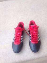 black-white-and-pink Adidas cleats soccer size 11.5