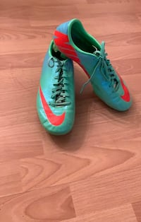Nike soccer cleats Stafford, 22556