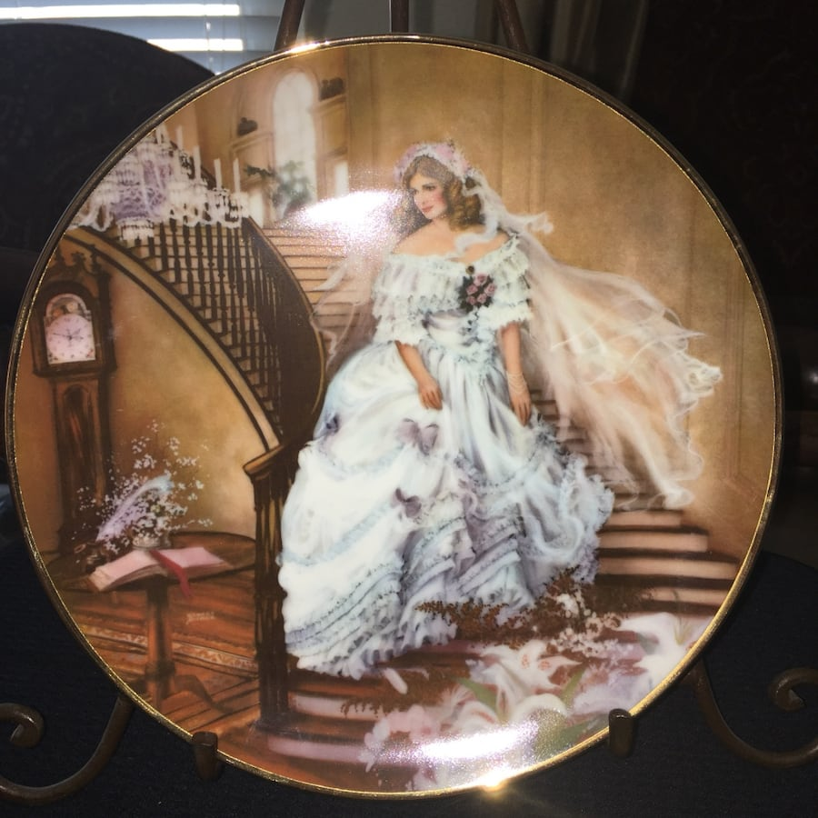 Collectors Plate-Caroline by Rob Sauber