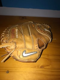 Nike Diamond Softball Baseball Catchers Mitt Show Series Full Size Left Hand Baltimore, 21218