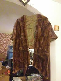40's or 50's beaver shawl needs new home Manchester, 03102